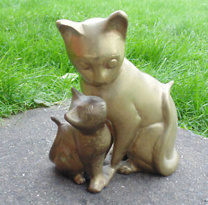 (#646) Brass pair of cats  (Pick up or post worldwide)