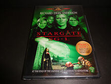 STARGATE SG1-Seas 1, Vol 2-At the edge of the universe is a gateway to adventure
