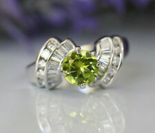 Gorgeous 14K White Gold Natural Diamonds And Round Green Peridot Engagement Ring