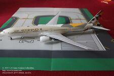 Phoenix Model Etihad Airways Boeing 777-300ER New Color Diecast Model 1:200