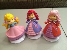 STRAWBERRY SHORTCAKE  Scented Figures 3 1/2 in.  A WORLD OF FRIENDS Cake Toppers