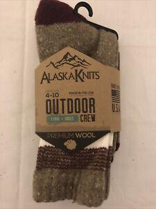 Alaska Knits Women's Outdoors Crew Length Socks Premium Wool Shoe Size 4-10 NWT