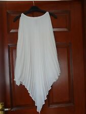 Ladies Beautiful Cream Pleat Effect Lined Top Size XSP. Perfect Condition.