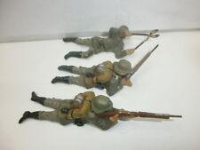 Konvolut 3 alte Lineol Massesoldaten mit Drahtschere und Gewehr zu 7.5cm