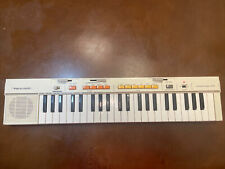 VINTAGE Portable Electronic  Keyboard - Realistic Concertmate - 400