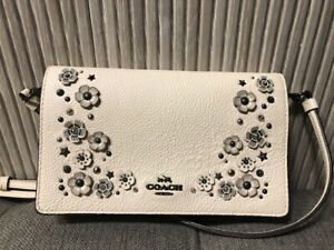 Authentic COACH Foldover Crossbody Clutch Pebble Leather With Willow Floral