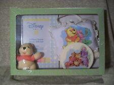 T11  Disney Baby Winnie The Pooh Room Decor Gift Set, NIB