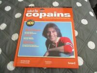 "CD-LIVRE ""SALUT LES COPAINS 1973"" Michel DELPECH, Johnny HALLYDAY, Sylvie VARTAN"