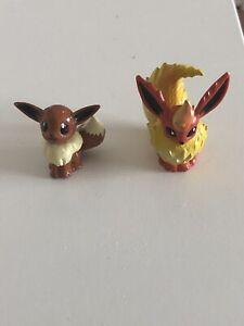 Pokemon Tomy Eevee And Flareon