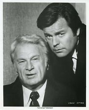 ROBERT WAGNER EDDIE ALBERT PORTRAIT SWITCH! ORIGINAL 1975 CBS TV PHOTO