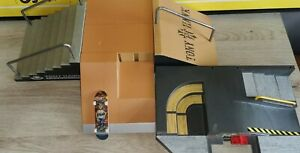 Tech Deck Tony Hawk Foundation Ramp finger skateboard