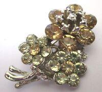broche bijou vintage signé  couleur argent floral cristaux diamants 423