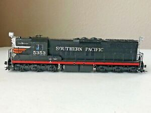 Walthers Proto #920-48615 HO SD9 Locomotive Southern Pacific (black widow) #5353