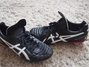 ASICS Changeable Studs Football Boots