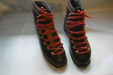 chaussure de montagne ski vintage