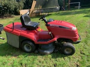 Honda 2417 V-Twin Hydrostatic Ride on Lawn Mower With Trailer / Grass Collector