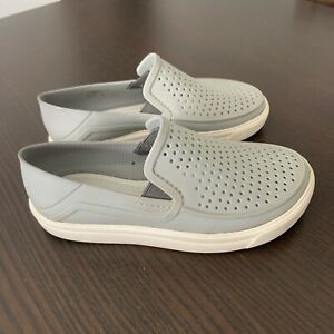 crocs size 11 toddler gray slip on casual boat shoes boys or girls euc 11c