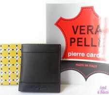 c98b0ba779a46c Portafoglio Uomo verticale con Cerniera Pierre Cardin Color Nero Fascia  Rossa
