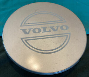 VOLVO CENTER CAP 740 760 940 960 1986 1987 1988 1994 Wheel HubCap Cover OEM OE 1