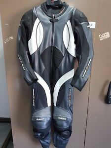 M2R LEATHER RACE ONE PIECE SUIT USA 40/EURO 50 SMALL