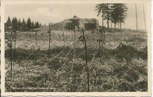 AK Bunker im Sudetenland, Bunkeranlage mit Stacheldraht (2) nicht gelaufen WK II