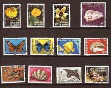 9T2 DIBOUTI Fleurs,Coquillages,Poissons,Papillons.12 Timbres oblitérés