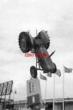 PHOTO  1964 TURNS ON A SIXPENCE AGRICULTURAL EQUIPMENT DISPLAY 1964-STYLE ON THE