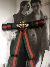 Bow Style Tie Grosgrain Ribbon Brooch Green Red With Bee With Pearls And Black