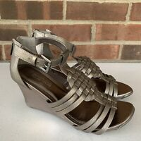 Kenneth Cole Reaction grey wedge heel sandals Women's Size US 6.5 M Faux Leather