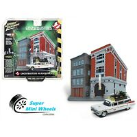 Johnny Lighting 1:64 Diorama - Ghostbusters - Ecto-1 with Firehouse
