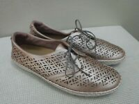 EARTH PAX BLUSH 12 B Pink Metallic Perforated Leather Flower Lace Sneakers Shoes