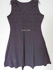 Ärmellose Damenkleider im Empire-Stil ohne Muster