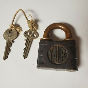 ANTIQUE Vintage YALE & TOWNE Solid BRASS PADLOCK Y&T Clover  Key Lock and Set