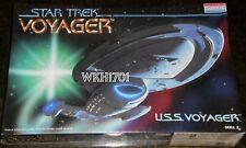 Star Trek USS VOYAGER NCC-74656 Original Issue Model Kit MISB + Bonus Hologram