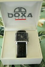 BOX SET DOXA STAINLESS STEEL BLACK DIAL DATE WATCH & PERFORATED RALLY WATCHBAND