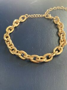 WOMENS GOLD TONE LINK BRACELET COSTUME JEWELLERY