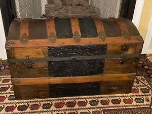 Antique Steamer Trunk Blanket Chest Lined Interior Tray & Both Handles