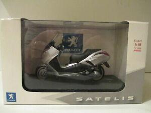 SATELIS MOTO 1/18  DIECAST  SCOOTER PEUGEOT 125  GREY GRIS  1960