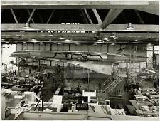 Concorde 001 : montage des trains d'atterrissage - Photo vintage 1967