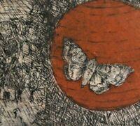 Anselm G. seltene surreale Farbradierung 1981: DORF MIT KIRMES; BALLON MIT MOTTE