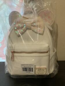 Disney Loungefly Minnie Mouse White Iridescent Sequin Backpack NWT