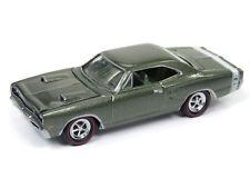 1/64 JOHNNY LIGHTNING 4B1 1969 Dodge Super Bee F8 Dark Green