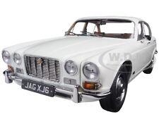 1971 JAGUAR XJ6 SERIES 1 2.8 ENGLISH WHITE 1/18 DIECAST CAR BY PARAGON 98301
