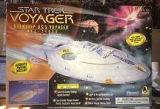 Star Trek USS VOYAGER Ship By Playmates #000017 Low Number