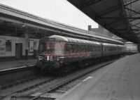 PHOTO  DMU 3 CAR SUBURBAN SET AFTER ARRIVAL AT SWANSEA (HIGH STREET) STATION. TH