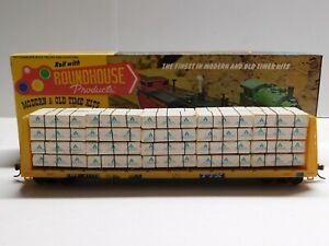 HO Scale Roundhouse TTX 60' Bulkhead Flat Car #81778 w/ Load