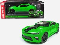 Autoworld 1:18 2017 Chevrolet Camaro SS with Stripes Diecast Model Green AW244
