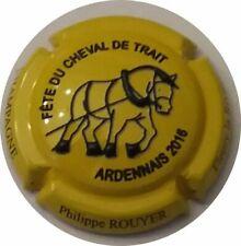 1. Cheval noir et blanc Capsule de champagne BRACQUEMART et Fils