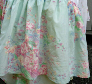POMPANO FLORAL by RALPH LAUREN QUEEN DUST RUFFLE-AQUA GREEN PASTEL-COTTON