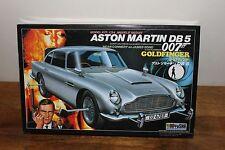 1/24 James Bond 007 Aston Martin DB 5 Doyusha Car Model Kit Open Box Started kit